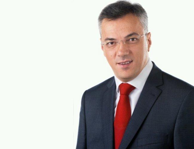 Ekskluzivno: Ognjen Tadić 47,3 % Milorad Dodik 43 %