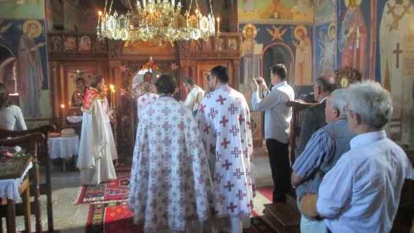 Pokrov Presvete Bogorodice - slava manastira Duži