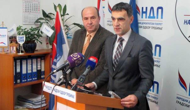 Krsmanović: Depoziti javnih preduzeća propadaju u Bobar banci, a organi gonjenja se prave nevješti