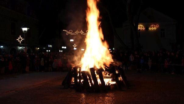 Proslavljeno Badnje veče u Trebinju (FOTO)