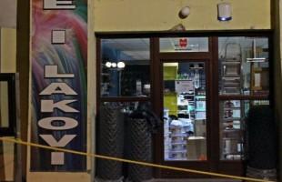 Razbojnik pucao u prodavnici i oteo novac