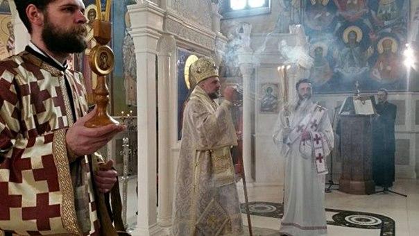 Vladika Grigorije služi na Vaskrs u Trebinju