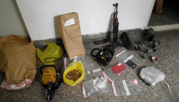 Nađena droga, oružje, municija