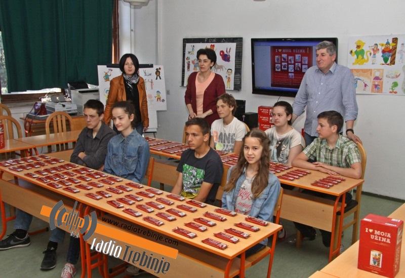 """Učenici osnovne škole """"Sveti Vasilije Ostroški"""" prezentovali projekat """"Moja užina"""""""