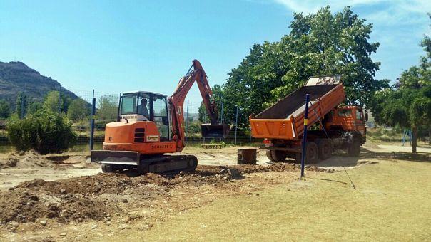 Гради се нови терен за бич-волеј
