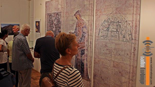 Povratak velike kraljice: U Trebinju otvorena izložba posvećena Jeleni Anžujskoj
