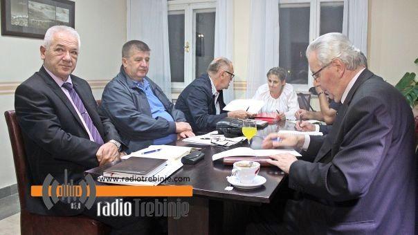 Министар Мирјанић састао се са Вучуревићем, виноградарима и винарима