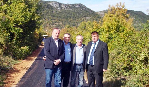 Завршена изградња пута у селу Оровац, изграђени путеви и у другим сеоским областима