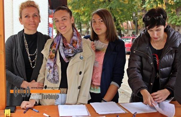 Потписивање петиције за укидање цензуса за дјечији додатак