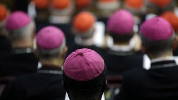 vatikan svestenici