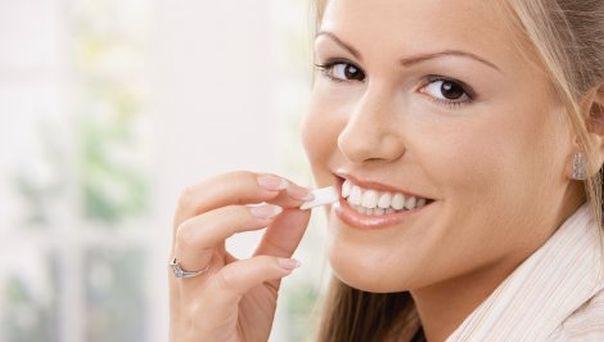 zubi osmijeh zvaka manekenka