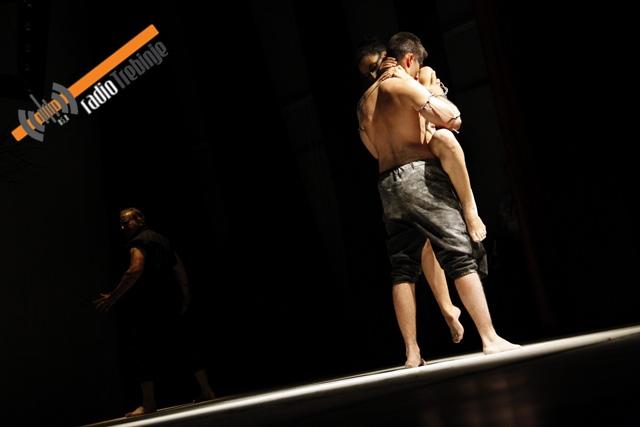Магија музике и сценске игре: Ансамбл из Старе Пазове отворио фестивал (ФОТО)