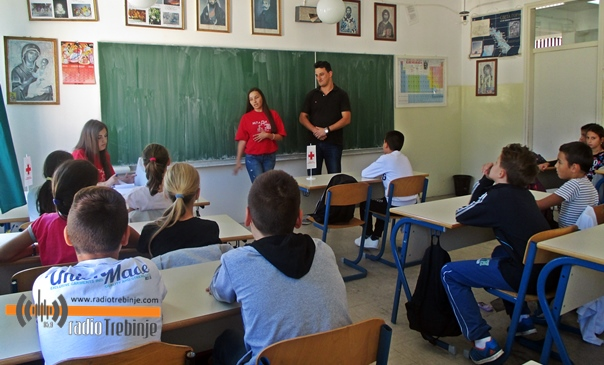 Црвени крст школарце учи хуманим вриједностима и волонтеризму