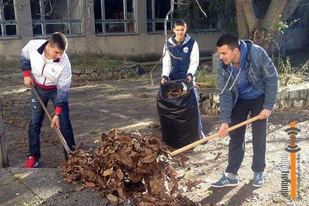 Dan volontera: Učenici mijenjali zaposlene u školi