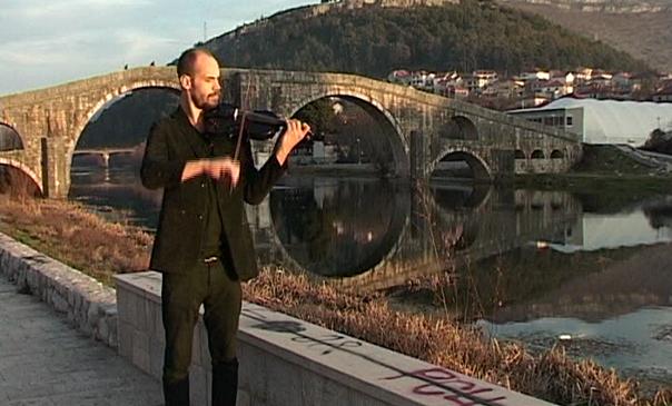 Ненад Кецман виолином одушевљава Требињце