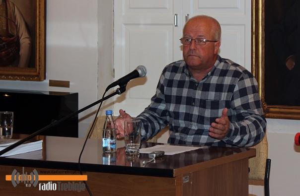 Најава: Предавање Горана Комара о значају ћирилице