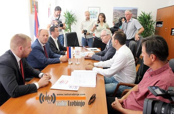 Потписан уговор за милионски вриједан систем наводњавања