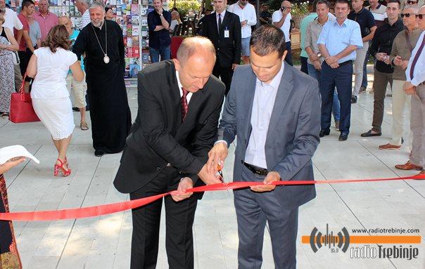 """Отворена """"Херцеговачка кућа"""": На услузи и туристима и домаћим произвођачима"""