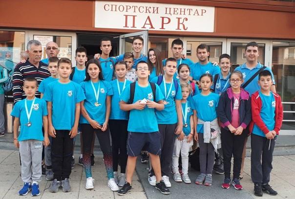 Пливачима 18 медаља у Крагујевцу