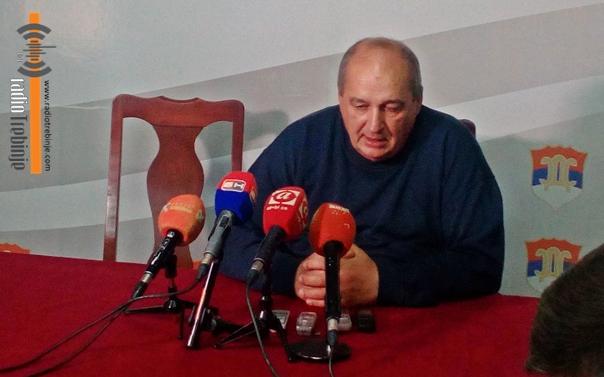 Бутулија: Дуговања угрожавају јавно здравство