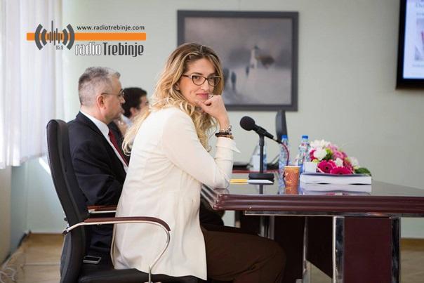 Требињка Сандра Дедијер, доктор наука у Новом Саду: Радује ме кад ми студенти постану колеге