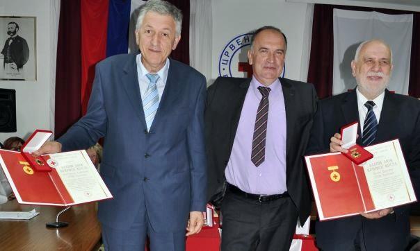 Зотовићу и Дурсуну највише признање Црвеног крста РС