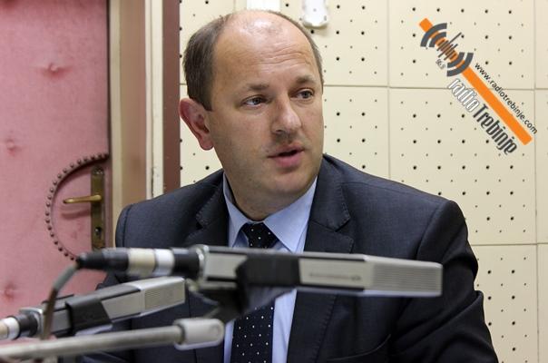 Данас од 17 часова: Градоначелник Лука Петровић гост Радио Требиња
