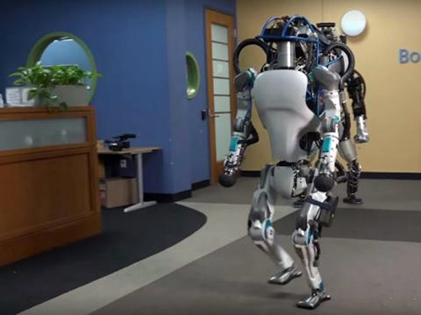 Амазон запошљава 120.000 робота
