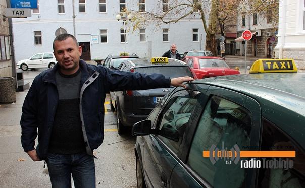 Од данас ЈЕДАН БРОЈ за такси: С таксиметром превоз јефтинији на краће релације