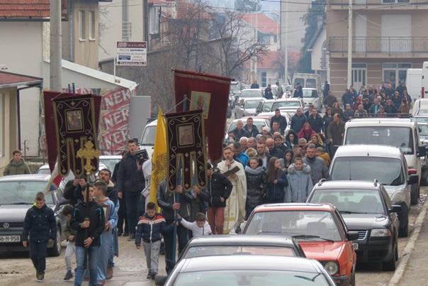 Улицама Невесиња прошла Богојављенска литија