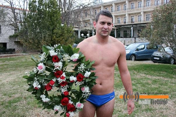 Никола Љешковић, побједник богојављенског пливања за Часни крст