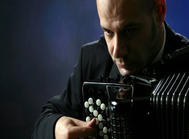 Најава: Концерт Предрага Костовића на хармоници
