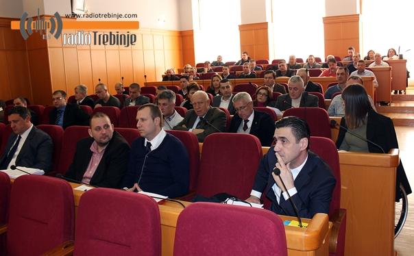 Скупштина града: 112 ХЕКТАРА пољопривредног земљишта нашло закупце