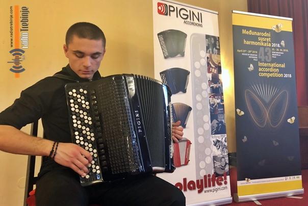 Драган Јелачић други на Међународном сусрету хармоникаша у Пули