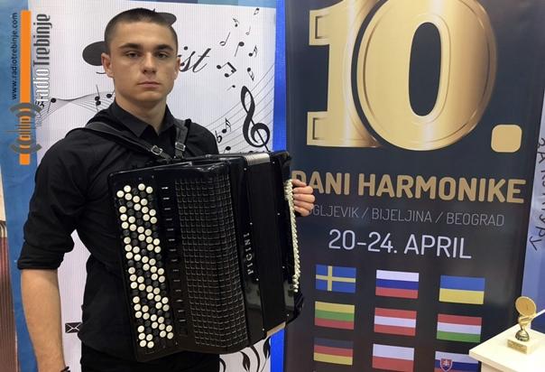 Јелачићу прва награда на Данима хармонике у Угљевику