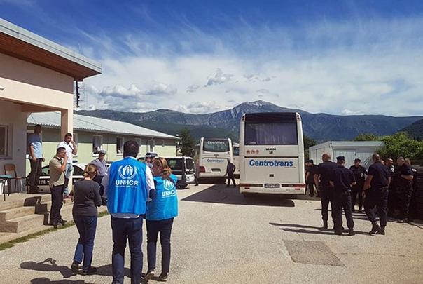 Мигранти стигли у избјеглички центар Салаковац