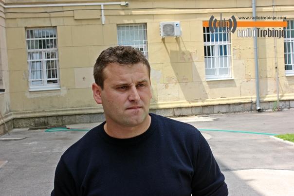 Полицајац из Требиња извлачио из воде повријеђене у саобраћајној несрећи
