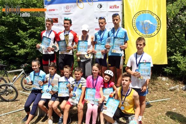 """Miloš Bodiroga pobjednik biciklističke trke """"Za sirac sira"""""""
