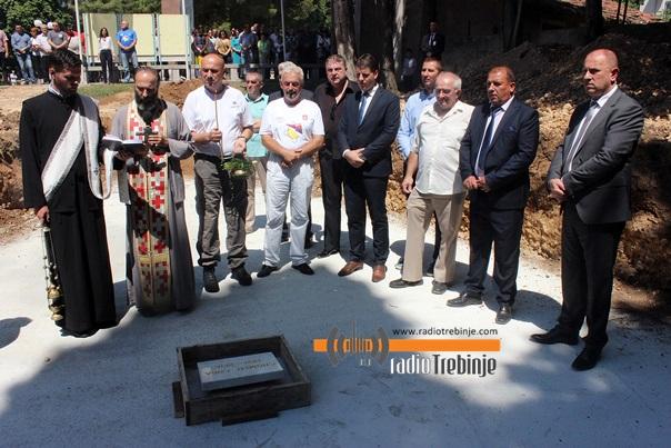 Trebinjska brigada opet u stroju: Kamen temeljac za novu spomen sobu