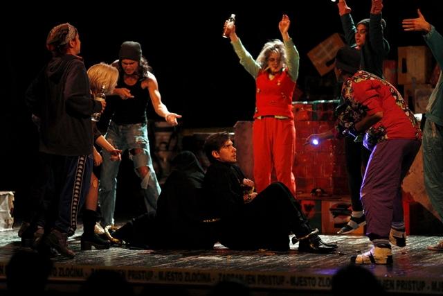 Pozorište mladih Tuzle otvorilo 61. FESTIVAL FESTIVALA (FOTO)