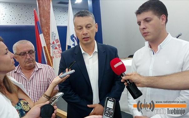 ДНС: Очекујемо по директан мандат на оба нивоа власти