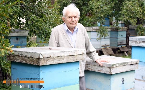 Feljton – pčelarske porodice (1): KAD NEMA DAJ – KAD IMA VADI!