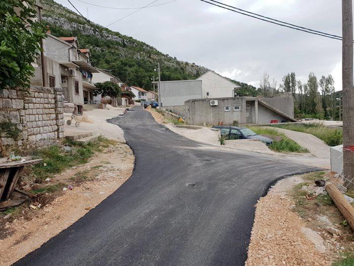 Ulica u naselju Geljev most konačno dobila asfalt