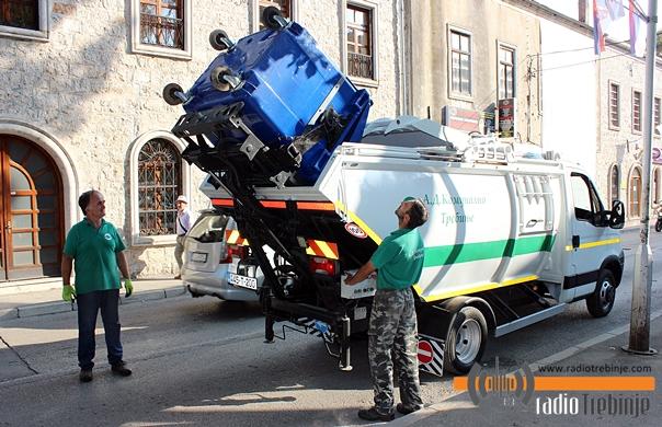 АД Kомунално: Набављени контејнери и возило за селективно прикупљање отпада