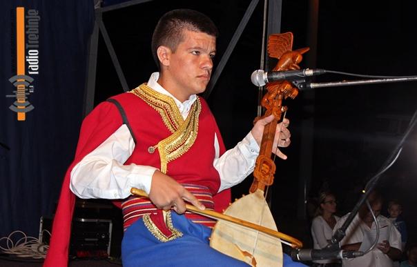 Митар Вишњић побједник омладинског фестивала гуслара Србије