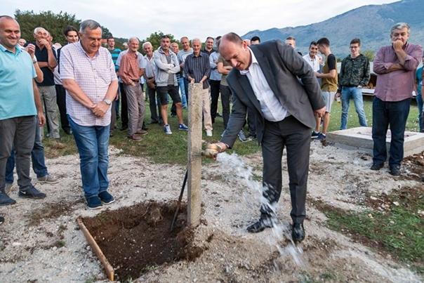 У Љубомиру 55 домаћинстава добило техничку воду, уложено 470.000 KМ