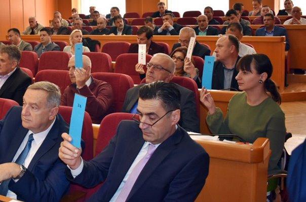 Бегенишић: Нисмо организовано напустили Скупштину због јавних признања