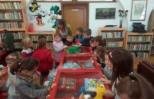 Предшколци посјетили библиотеку
