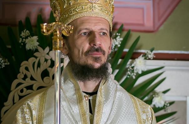 Vladika Dimitrije služi vaskršnju liturgiju