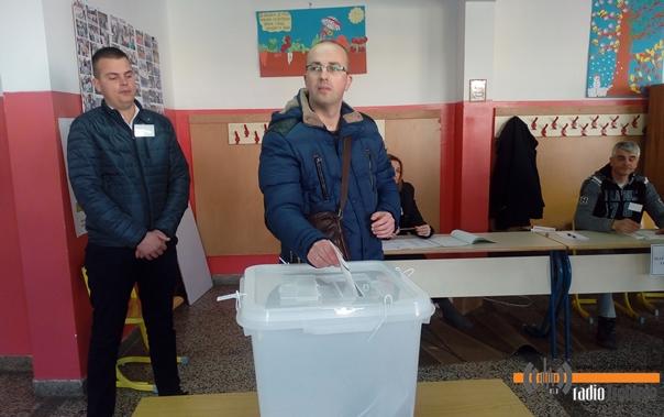 Борјан гласао у школи у Полицама